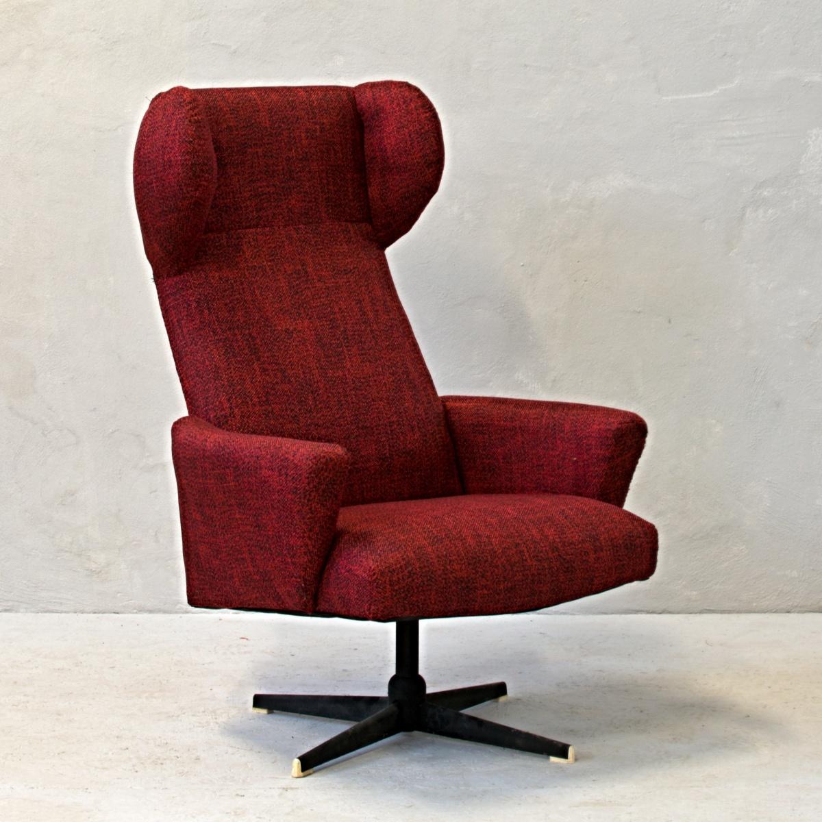 pohodlné křeslo červené ušák retro