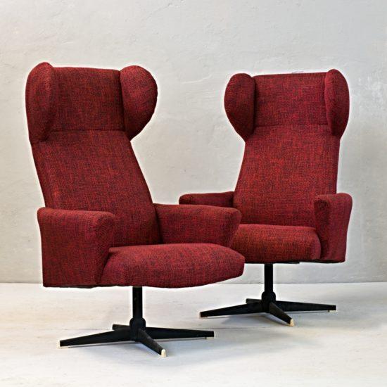 dvojice ušáků pohodlné křeslo červené ušák retro dva kusy