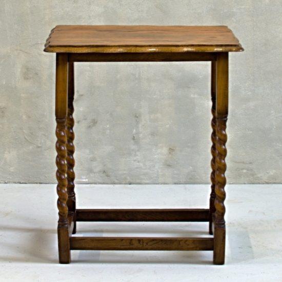 odkládací dekorační stolek barley twist anglický vintage nábytek po celkové renovaci oživeno