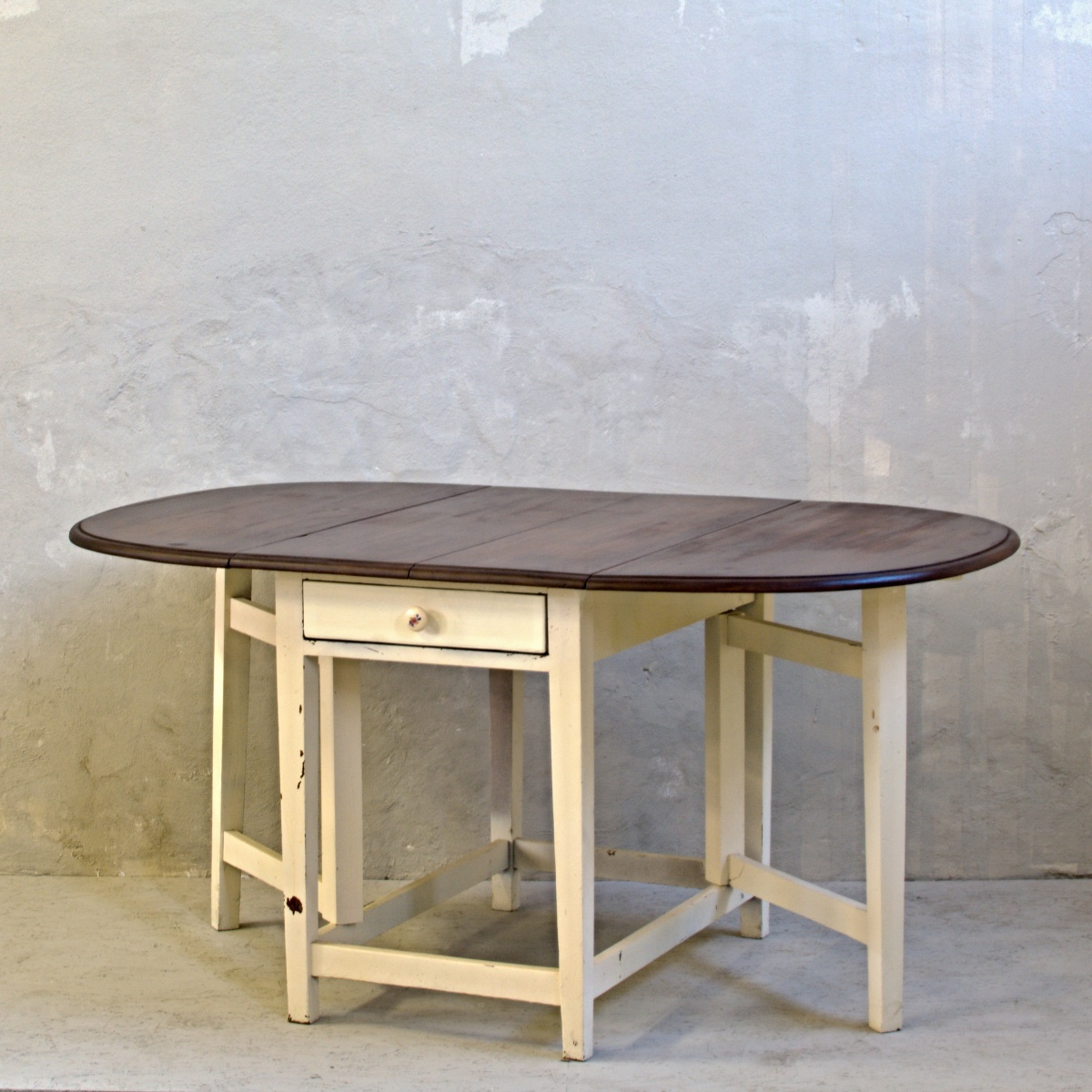 anglický rozkládací stůl tzv. dropleaf po celkové renovaci oživeno