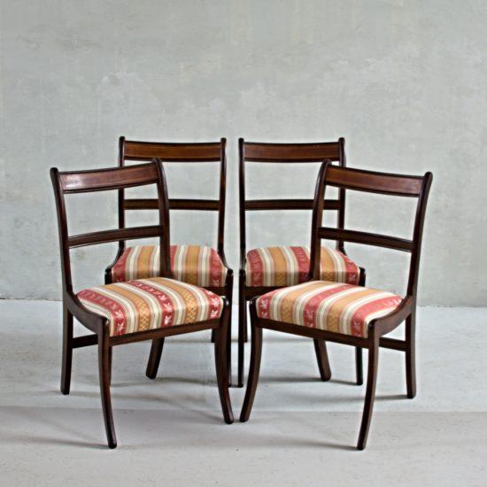Sada čtyř židlí Regency
