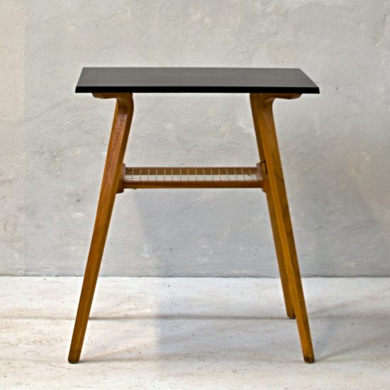 obdélníkový stolek pod rádio retro stolek s výpletem