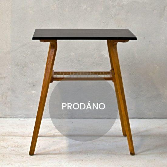 Retro stolek renovace Praha