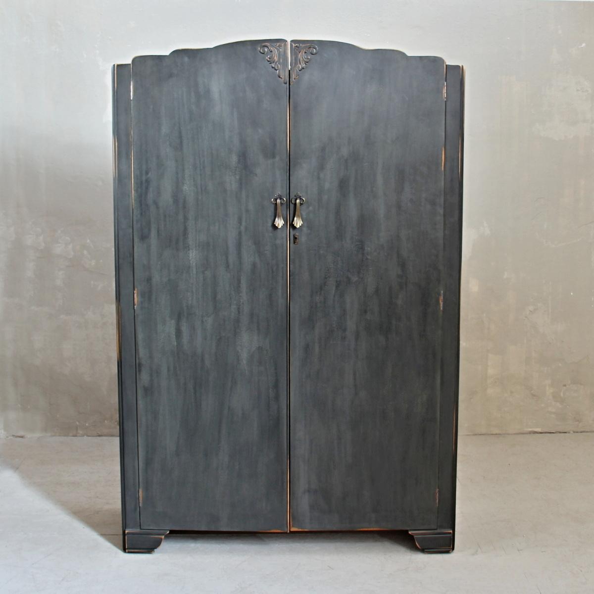 Anglická skříň ve stylu provence