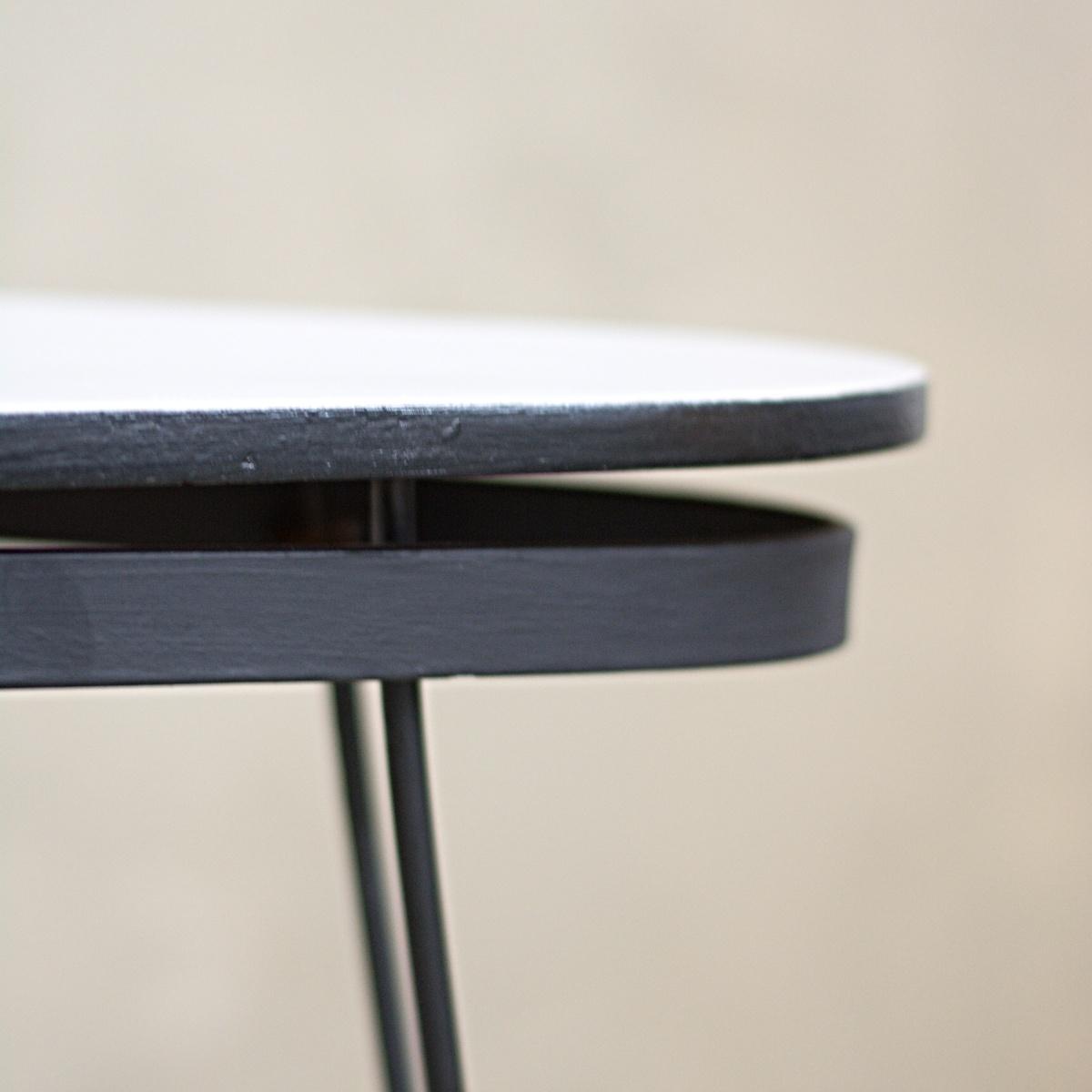 Retro stolek kovové nohy