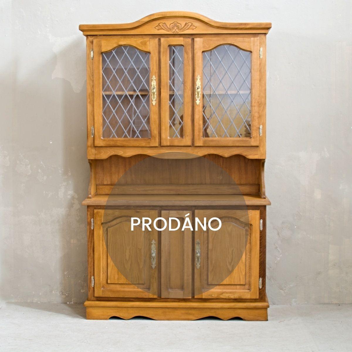Prodej anglického nábytku rustikální příborník