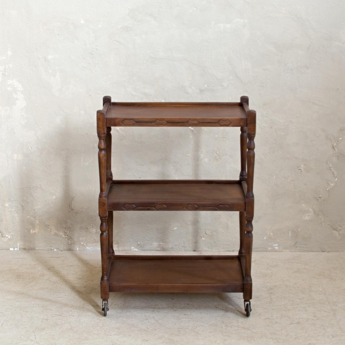 Renovace nábytku odkládací stolek