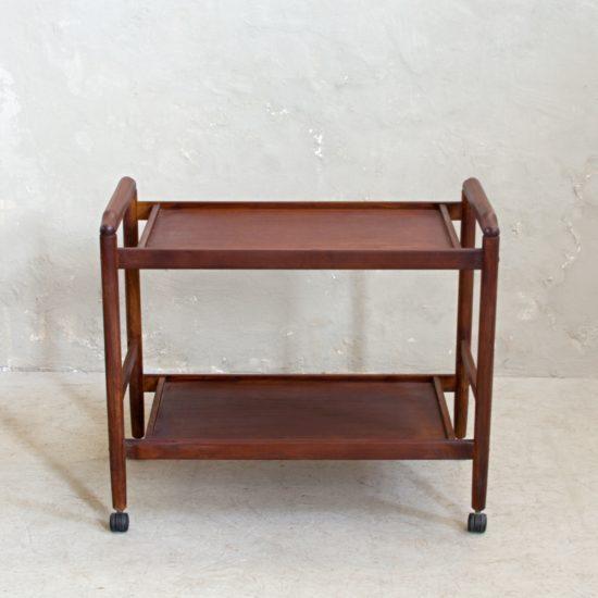Renovace nábytku Praha odkládací stolek