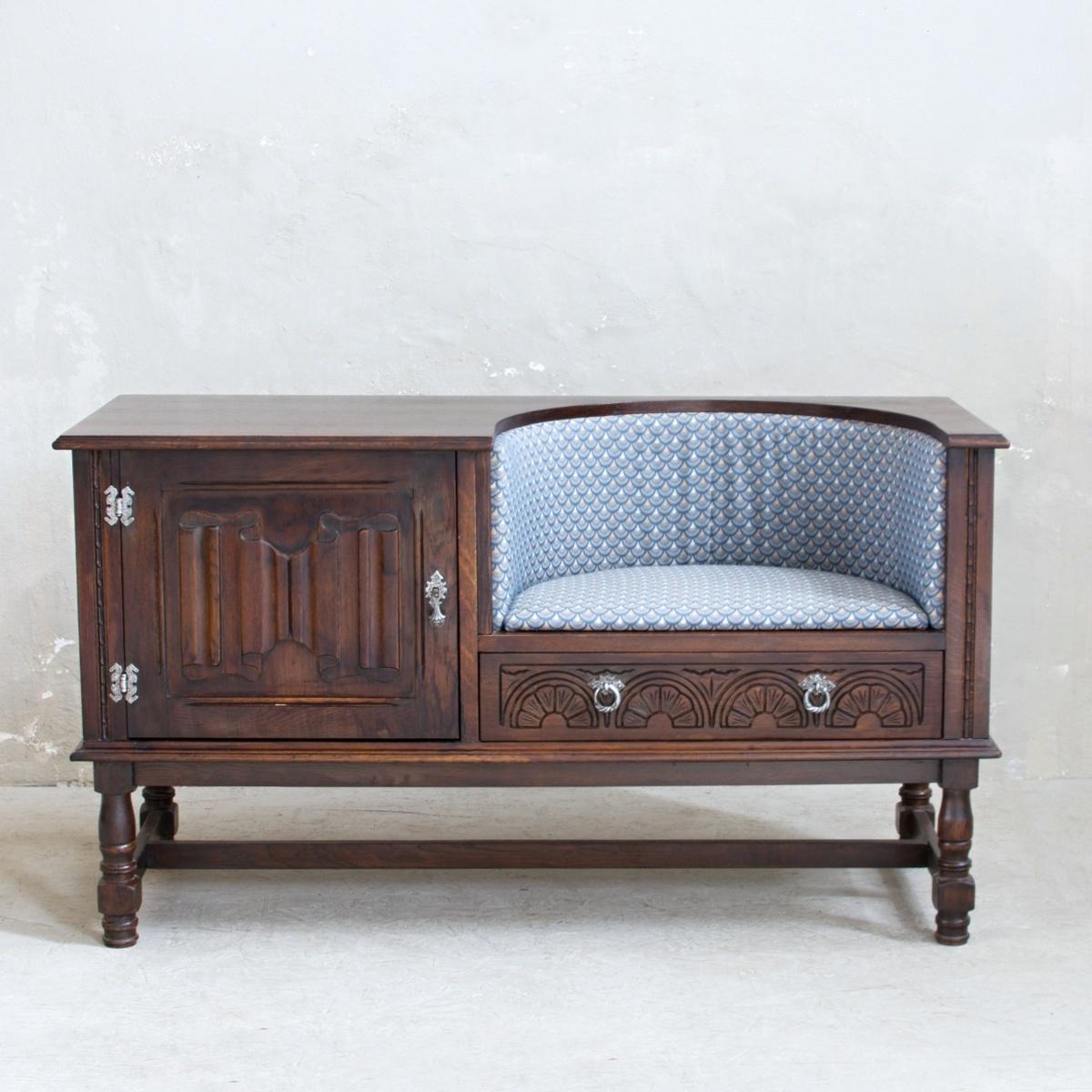 Renovace nábytku v Praze anglický botník