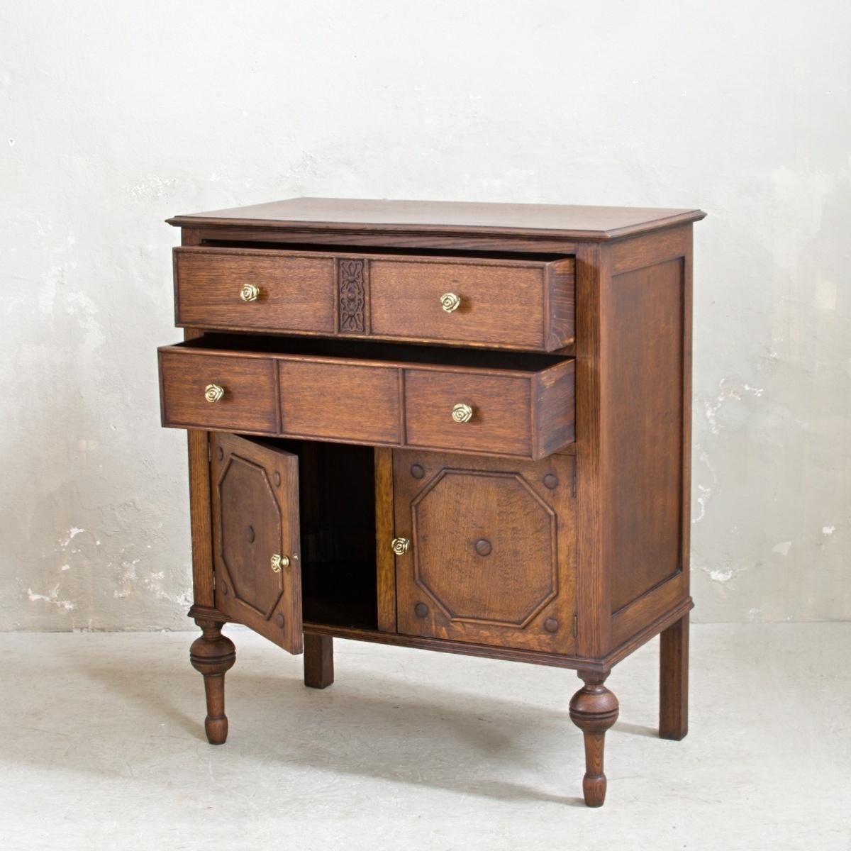 Prodej vintage nábytku Praha Anglický příborník