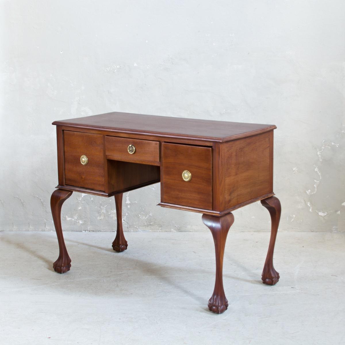 Prodej Anglického nábytku Praha Anglický odkládací stolek