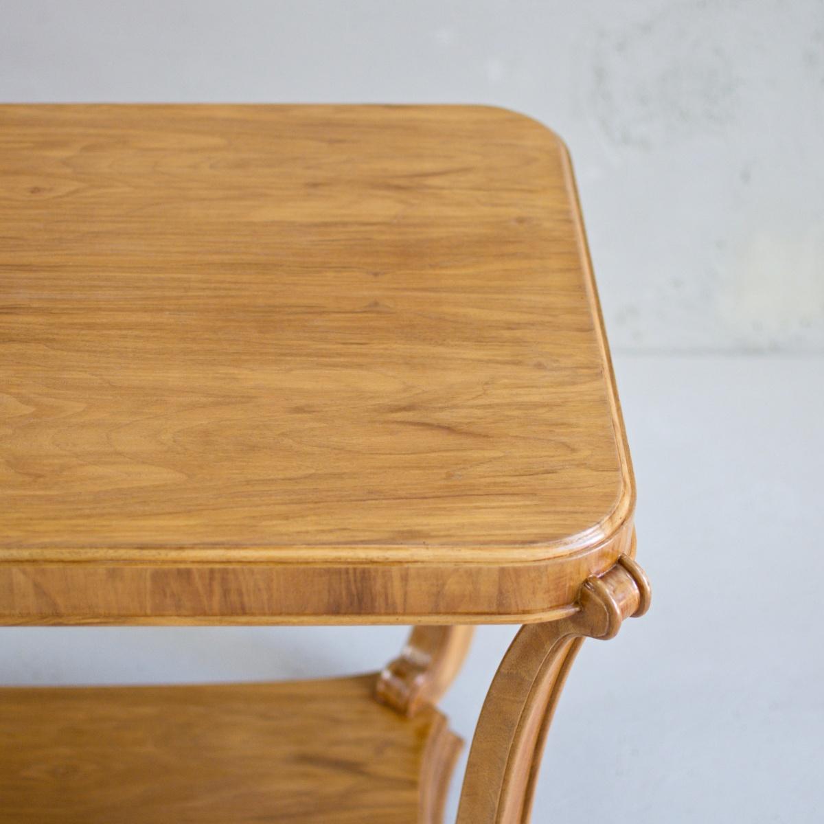 Prodej Anglického vintage nábytku Vintage stolek