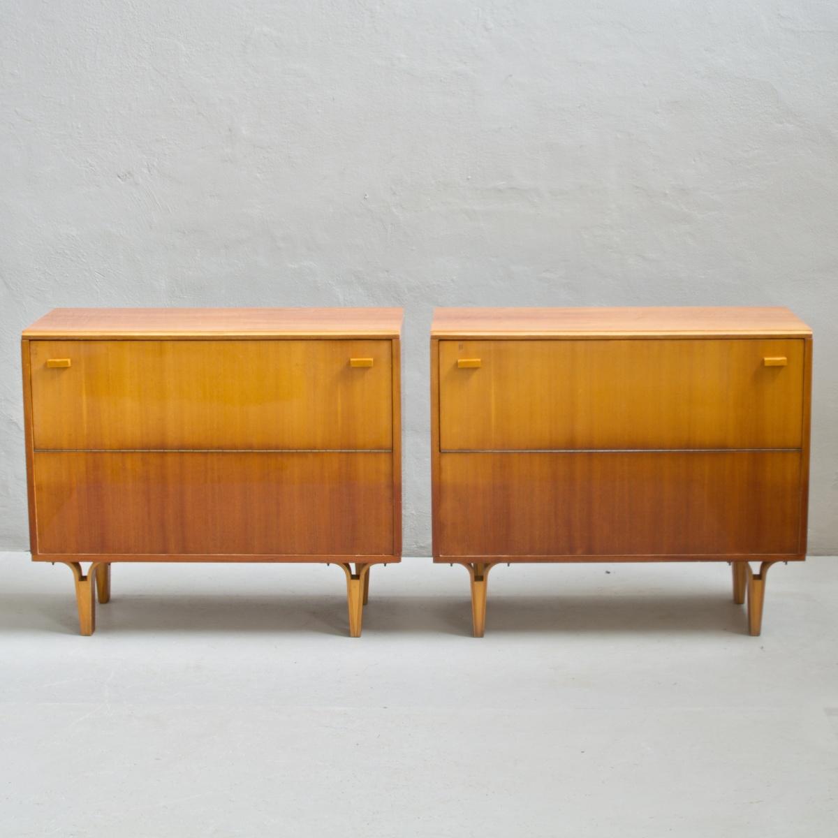 Prodej retro nábytku retro peřiňák