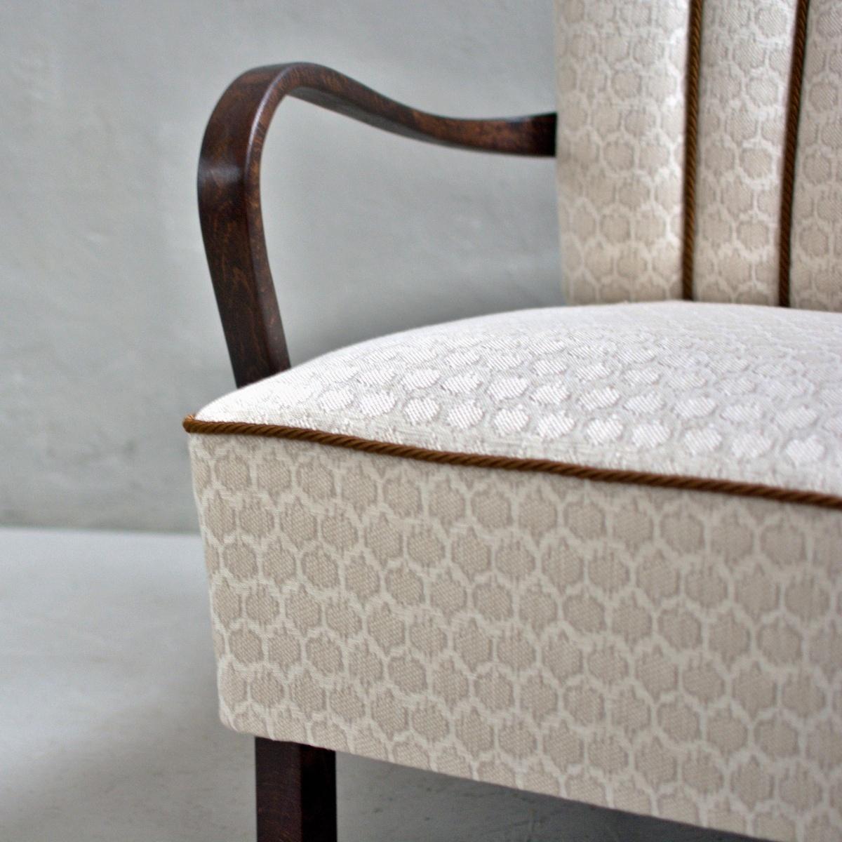 Prodej vintage nábytku Kralupy vintage křesla a taburet