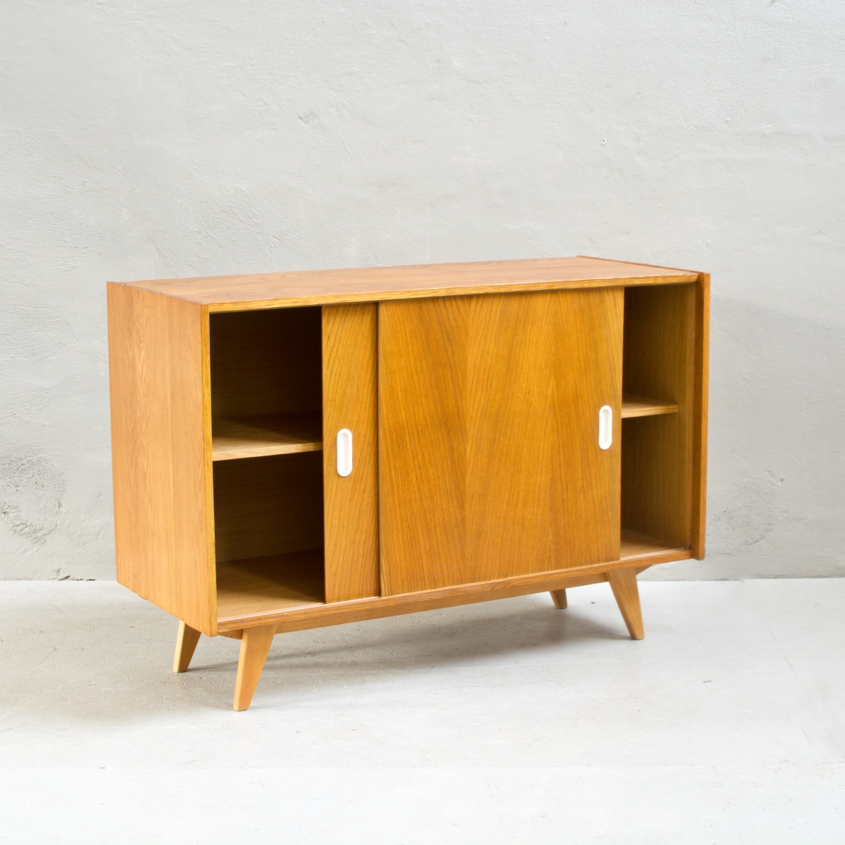 Prodej retro nábytku Jiroutek komoda