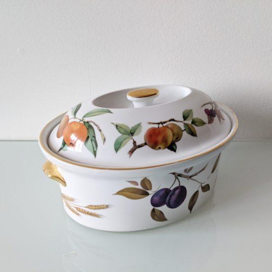 Anglické porcelánové nádobí