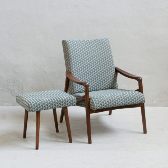 Prodej retro nábytku retro křesílko s podnožkou