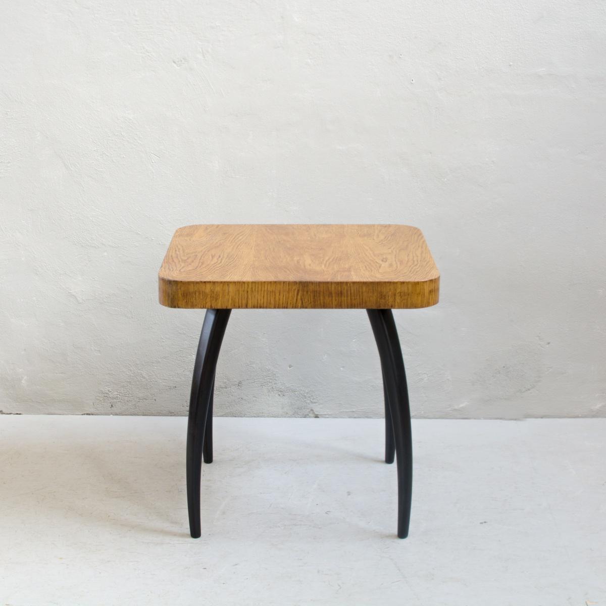 Prodej retro nábytku Halabala stolek