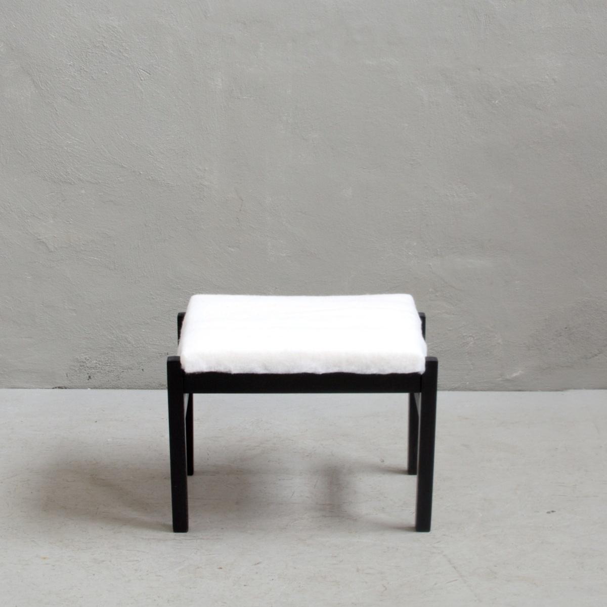 Prodej a renovace retro nábytku retro křeslo a židle