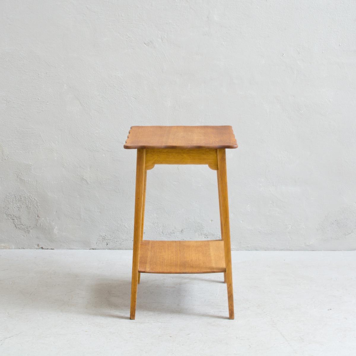 Prodej anglického nábytku anglický stolek