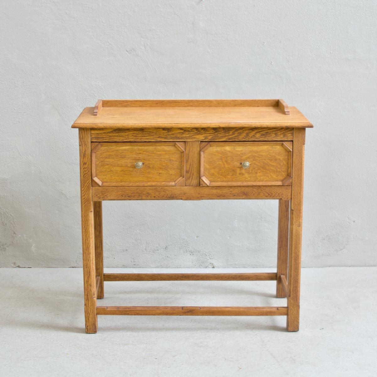 Prodej anglického nábytku anglický odkládací stolek