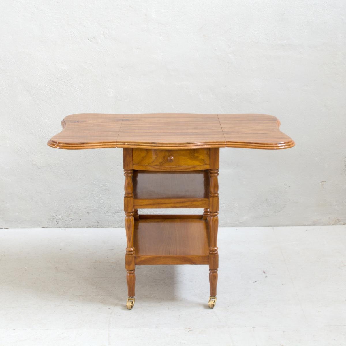 Prodej vintage nábytku vintage stolek